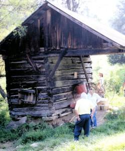 Irwin Farm cantilevered corn crib